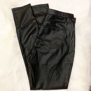 Hue faux leather pants size medium skinny pull up